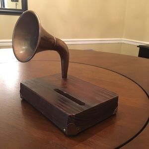 Phone Amplifier/Decorative Piece with Wooden Base
